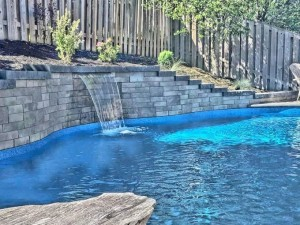 Steel & vinyl liner pool in Barrie